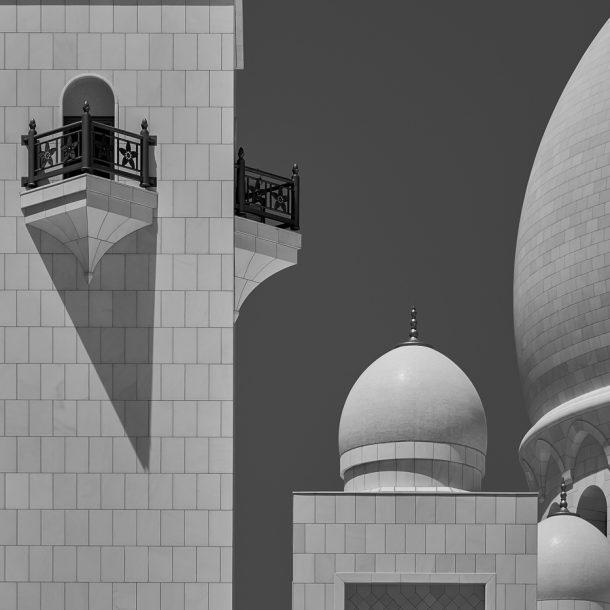 Architectural photography image - Minaret and Domes - Shekh Zayed Grand Mosque - Abu Dhabi - United Arab Emirates