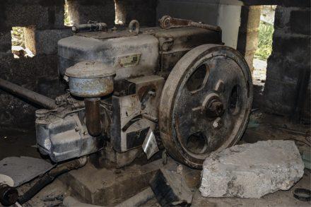 Image of an old Mitsubishi diesel engine irrigation pump drive