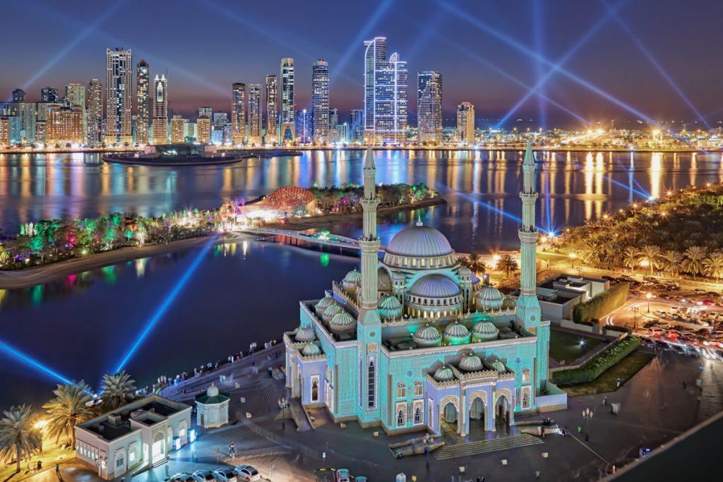 Featured image: Islamic architecture - Al Noor mosque - Sharjah - UAE