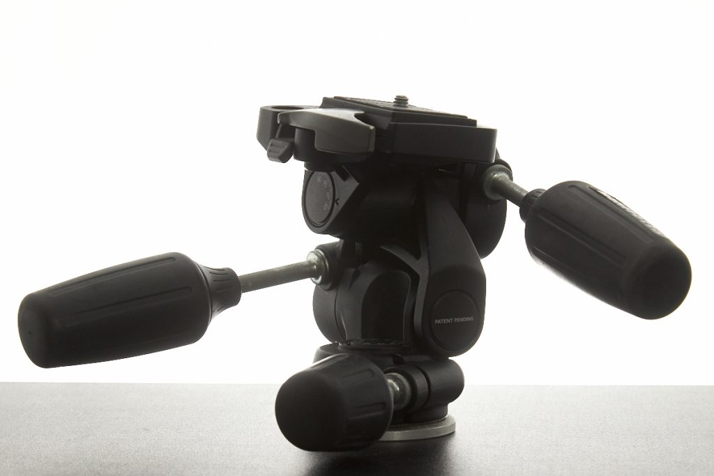 Image: 3-way pan-tilt tripod head